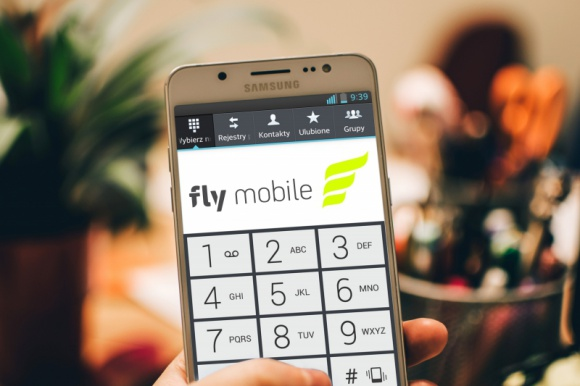 FlyMobile operator.